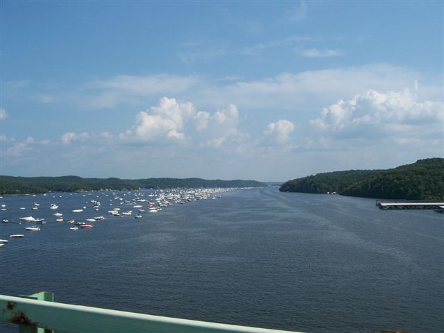 picture of Lake of the Ozarks by boat